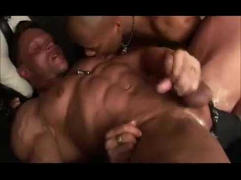 German bodybuilder fucked & fisted